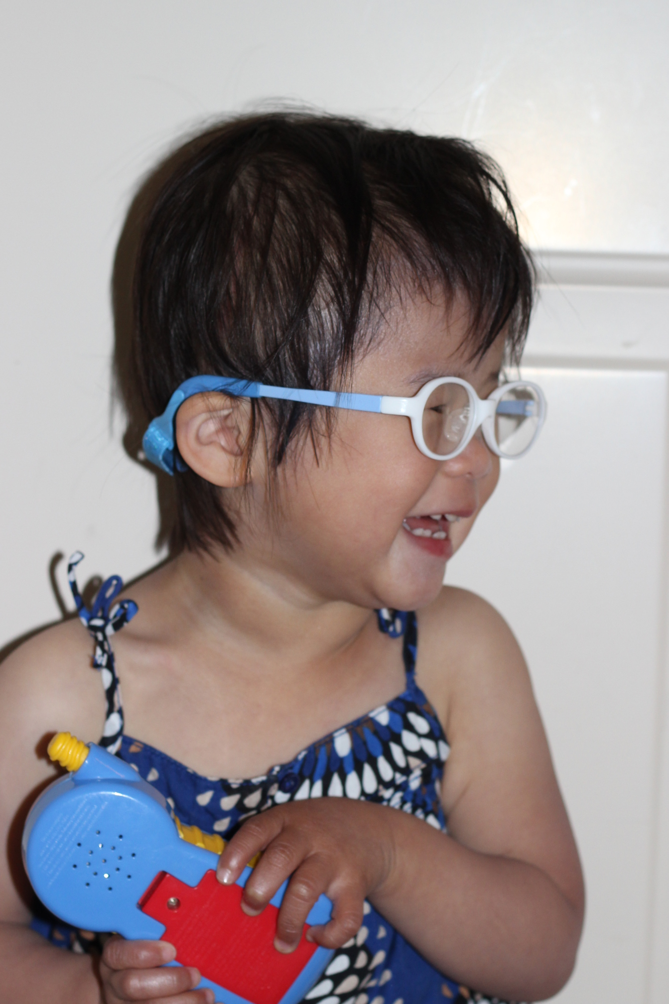 how to keep glasses on a toddler